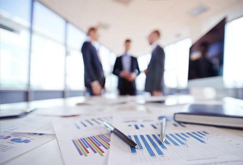 Wie viele Mitarbeitende sind von einer Führungskraft effektiv zu führen?